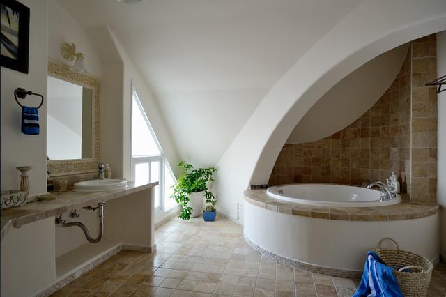 interior design:concise and elegant mediterranean-bathroom