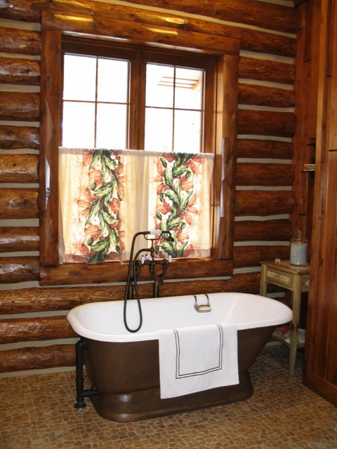 Interior finishing of the bath with a tree