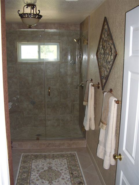 Interior Gaines traditional-bathroom
