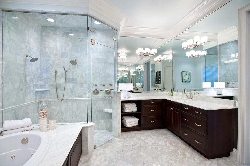 Corner shower - modern corner shower idea in Tampa