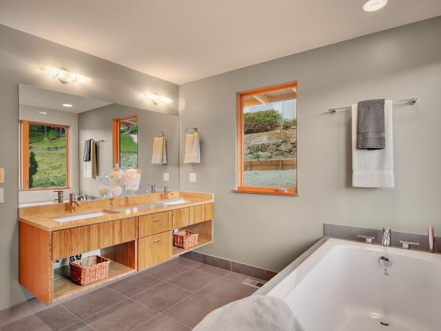 Inverness contemporary-bathroom