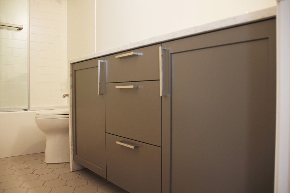 Example of a mid-sized minimalist 3/4 white tile and subway tile bathroom design in Portland with shaker cabinets, gray cabinets, white walls, an undermount sink and quartz countertops