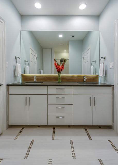 Island Cove Contemporary Bathroom Austin By Kelle Contine Interior Design Llc