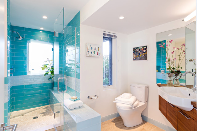 Island house beach-style-bathroom