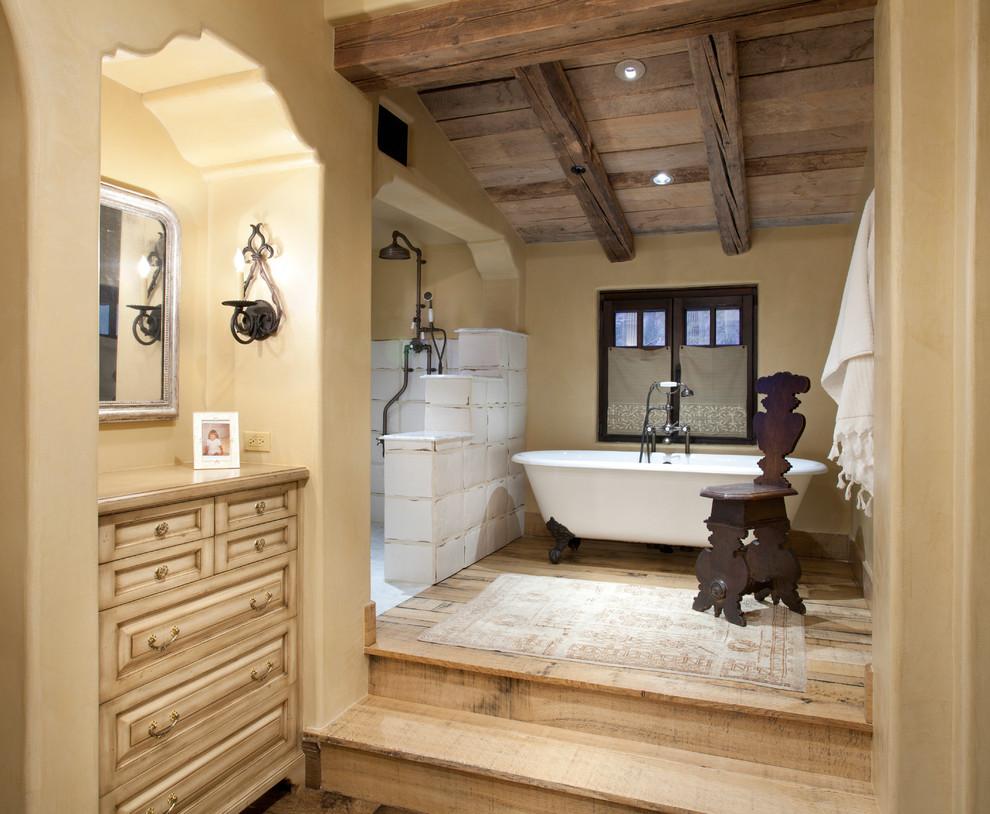 Claw-foot bathtub - mediterranean claw-foot bathtub idea in Phoenix