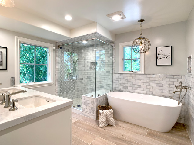 Jack And Jill Bathroom Modern Los Angeles By Hyelee Design Staging Avenue Houzz