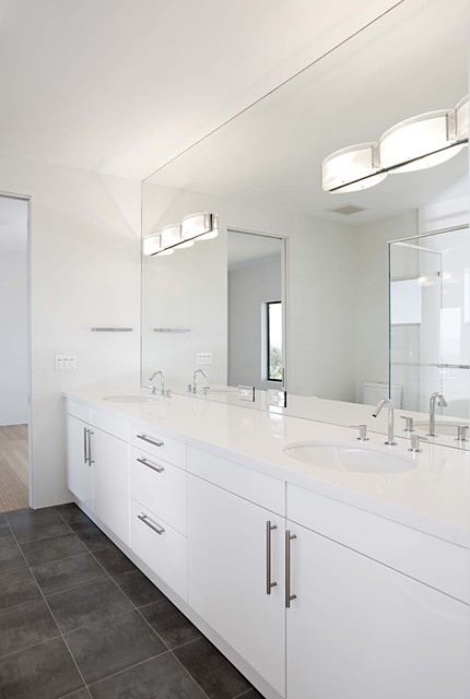 jack and jill bathroom contemporary-bathroom