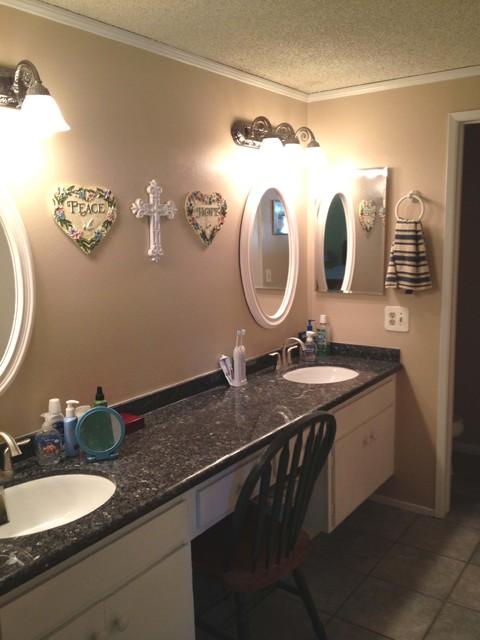Jack And Jill Sinks Traditional Bathroom Los Angeles