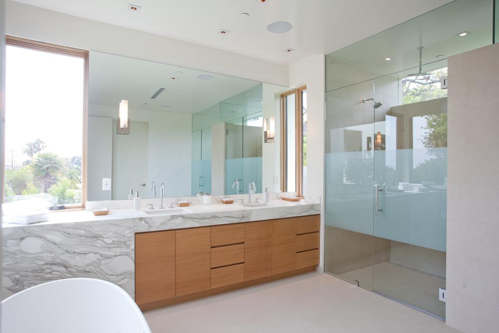 Freestanding bathtub - contemporary freestanding bathtub idea in Los Angeles
