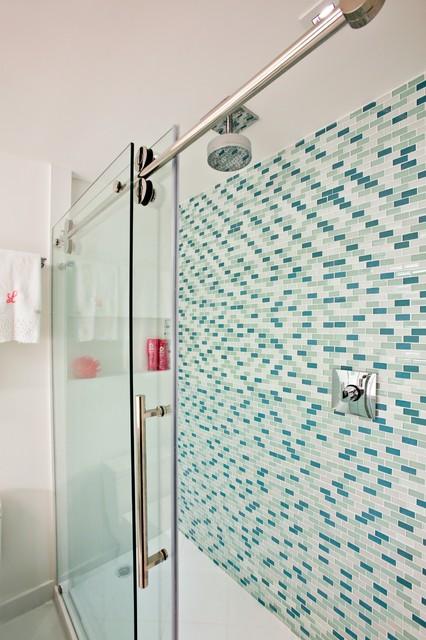 Jade Brckell girls bathroom contemporary-bathroom