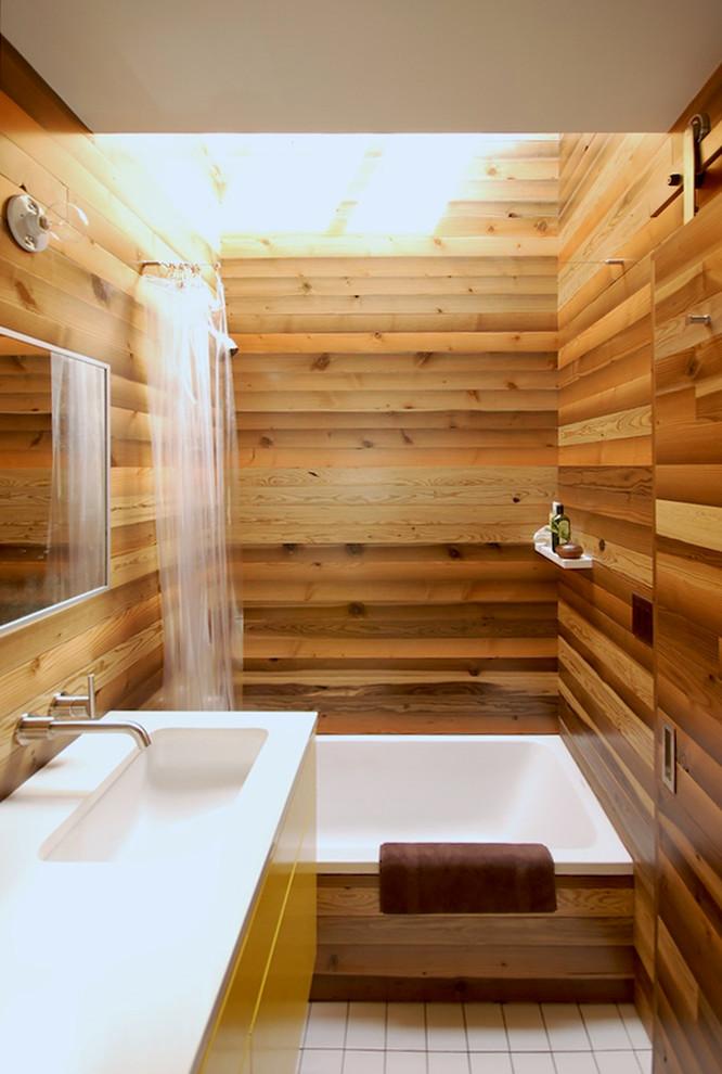 Example of an asian bathroom design in Portland