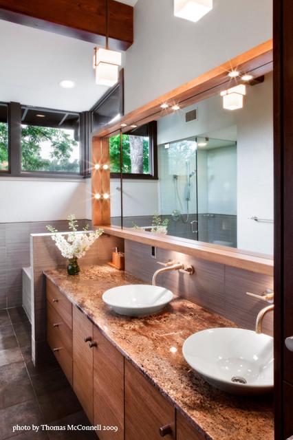 Jarratt Mid-Century Modern midcentury-bathroom
