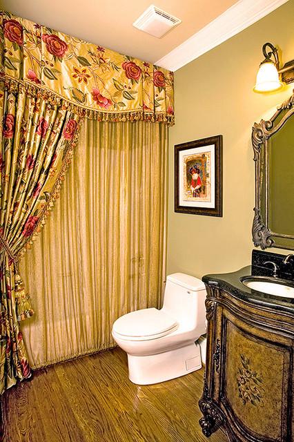 Jennifer Reynolds Interiors traditional-bathroom
