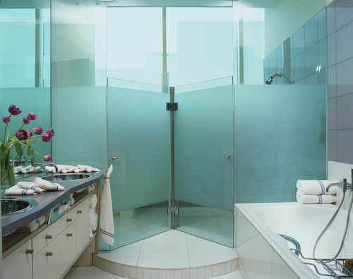 Jerry Jacobs Design contemporary bathroom