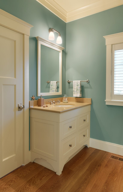 Jersey Sound House traditional-bathroom