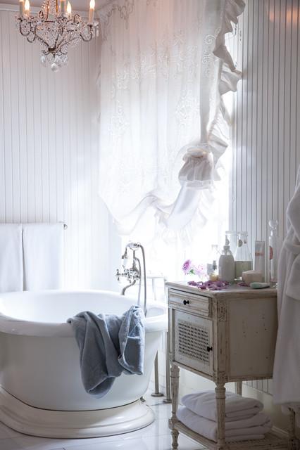 Jessica Simpson Home Shabby Chic Style Bathroom