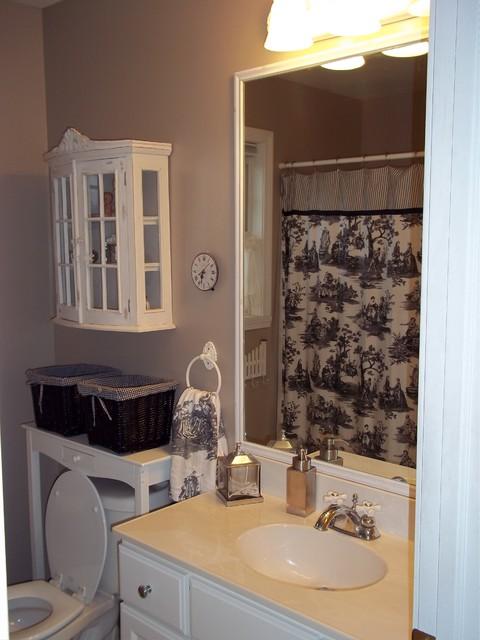 Jill Elizabeth traditional-bathroom