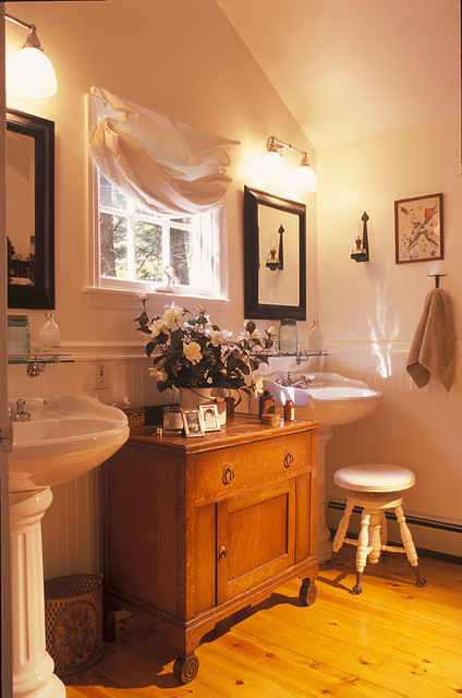 Jimmy Crisp traditional bathroom