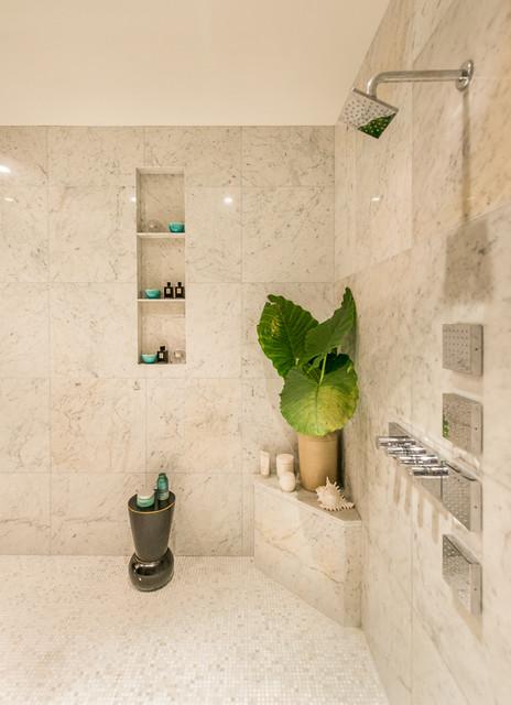 John Residence tropical-bathroom