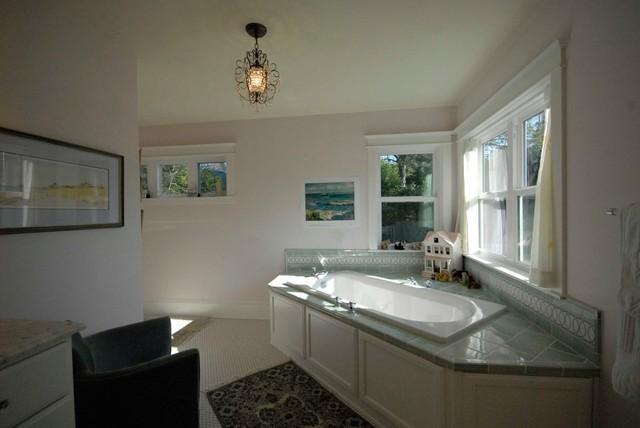 Johnson Traditional Bathroom Portland By Rainbow Valley Design Construction Portland