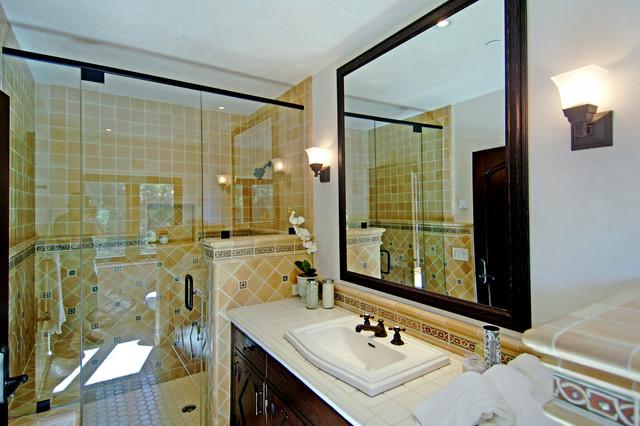 Joni Koenig Interiors traditional-bathroom