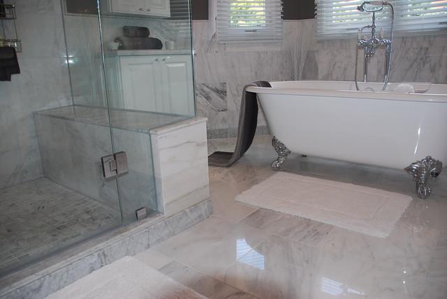 Joron traditional-bathroom