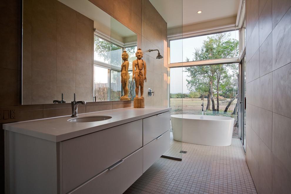 Example of a trendy walk-in shower design in Dallas