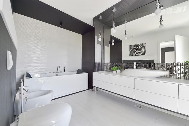 Jungle house contemporaneo stanza da bagno altro di simona