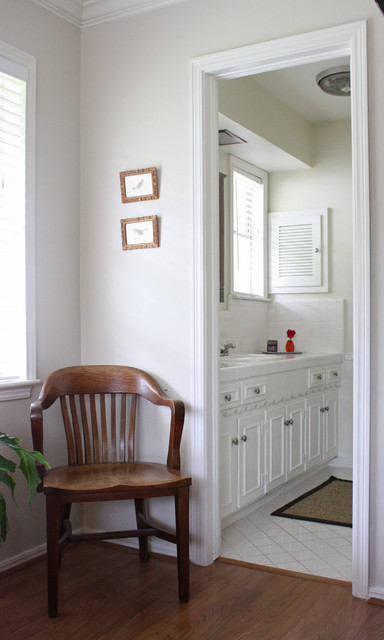 Kara Weik © 2012 Houzz traditional bathroom