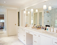 Kara Weik © 2012 Houzz traditional-bathroom