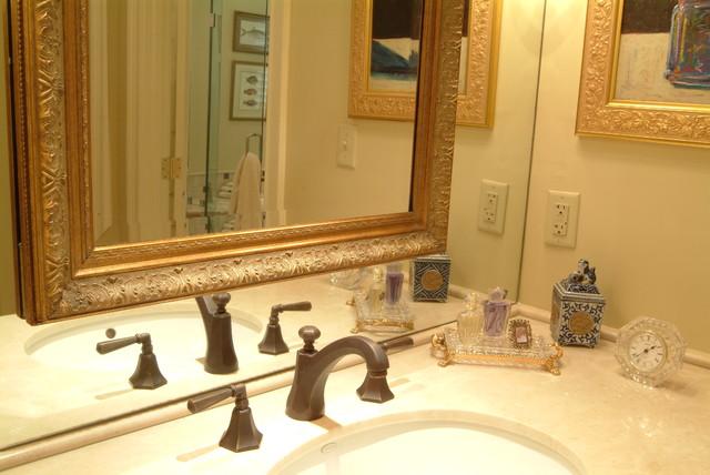 Keith Allen - Custom Builder traditional-bathroom