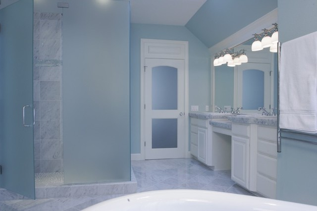 Kelly Bathroom traditional-bathroom