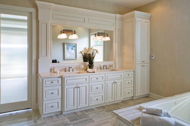Kelly traditional-bathroom