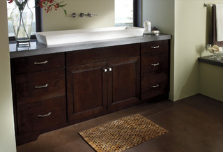 Kemper Cabinetry Darby Maple Chocolate Traditional