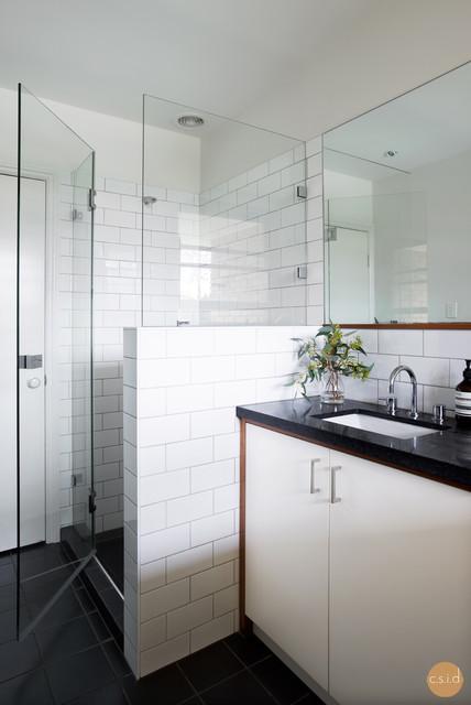 Kenmore house modern bathroom brisbane by claire for Bathroom interior design brisbane