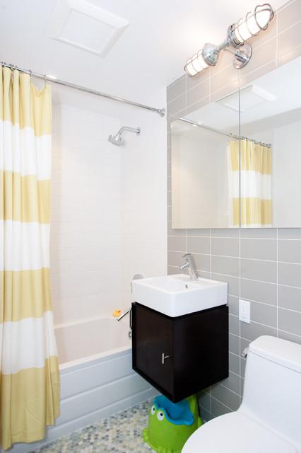 Kiddy Bathroom midcentury-bathroom