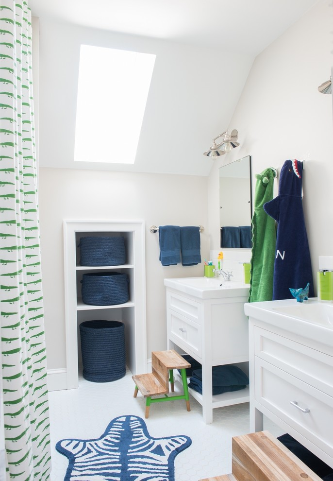 Example of a transitional kids' shower curtain design in New York with shaker cabinets, white cabinets and beige walls