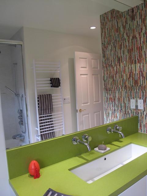 Kids bathroom contemporary-bathroom