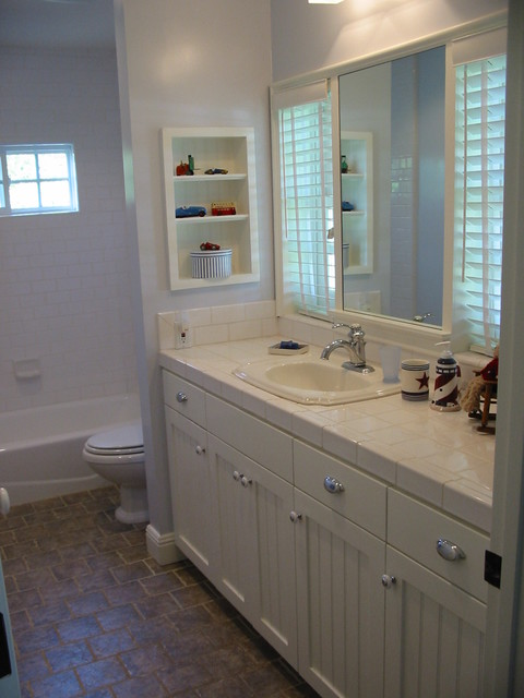 Kids Blue And White Beadboard Bath Beach Style