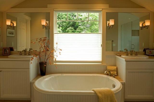 Kirkland Craftsman traditional-bathroom