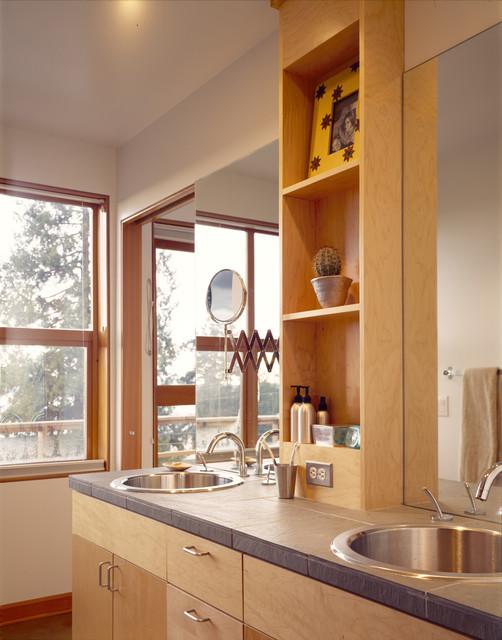 2100 Bathroom Vanity: Kirkland Residence