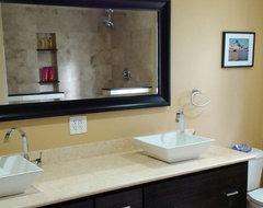 Kirkland modern-bathroom