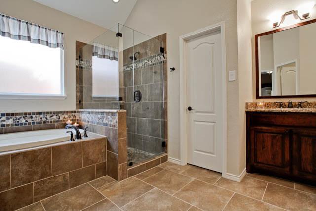 Kitchen bath remodel traditional bathroom dallas for Bath remodel dallas