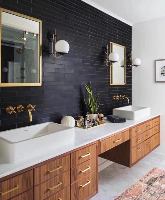 E Between Double Sinks In The Bathroom