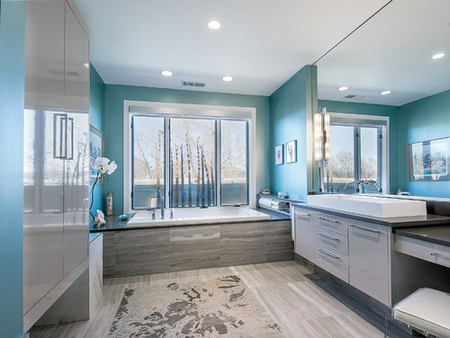 Contemporary Bathroom by Denver Photographers Teri Fotheringham Photography