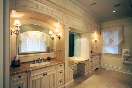Kleinburg Custom Home traditional-bathroom