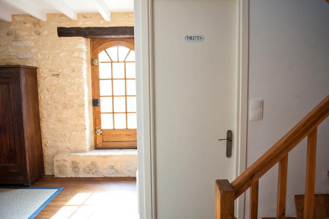 La Maisonnette - Beynac-et-Cazenac, France eclectic-bathroom
