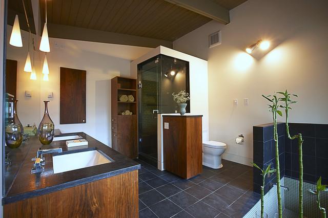 LaBrot House modern-bathroom