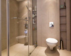 Lai Residence contemporary bathroom