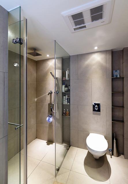 tous les espaces  bains et wc  salle de bain et douche